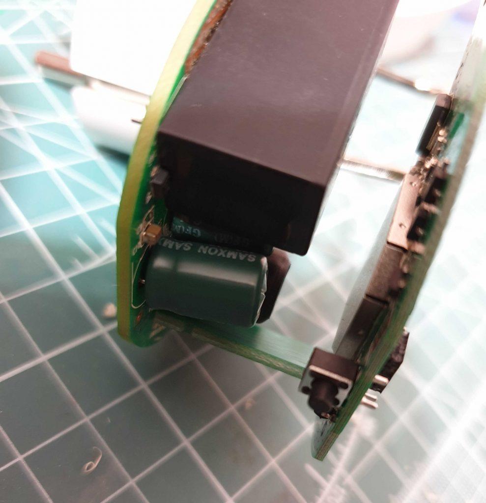 TP-Link HS110 - вздутый конденсатор
